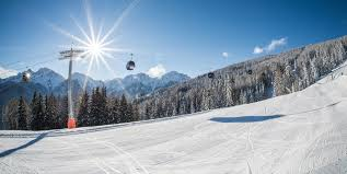 impianto di sci con sole